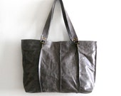 Beautiful leather tote -Gray