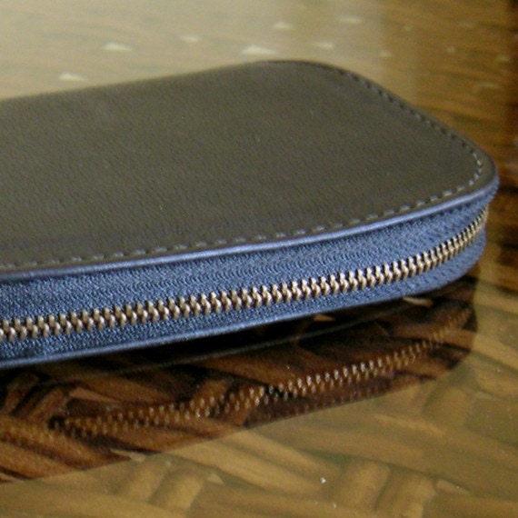 Vintage Coach Black Leather Key Holder -Brass Fittings