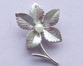 Sterling Silver Flower Brooch Pearl