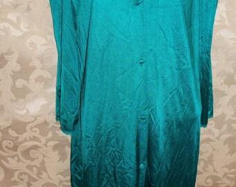 Vintage 70s Vassarette Nylon and Lace Robe