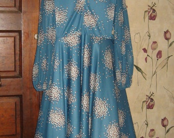 1970s  lilly of the Valley fun print dress