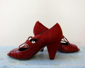 1980s Does 1920s Flapper Style Shoes VANELi Garnet Red Suede & Croc Patent Leather Peep Toes Pyramid Heels Bow Ties