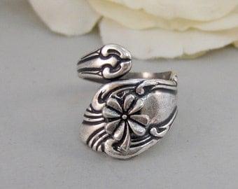 Little Shamrock,Ring,Silver,Irish,Shamrock,Antique Ring,Silver Ring,Spoon Ring,Clover,Wedding, Handmade jewelery by valleygirldesigns.
