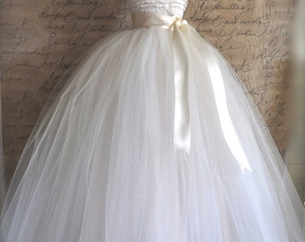 Full length tulle skirt. Maxi long tutu skirt. Classic simplicity. Tulle skirt for women.