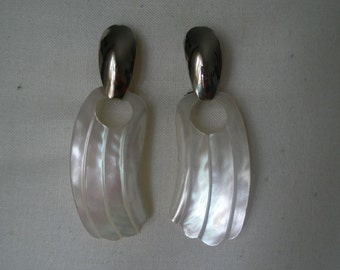 Vintage Mother of Pearl Striated Fan Design and Silver Tone Pierced Earrings