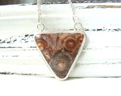 Triangle - Sterling silver and birdeye rhyolite necklace - geometric shape