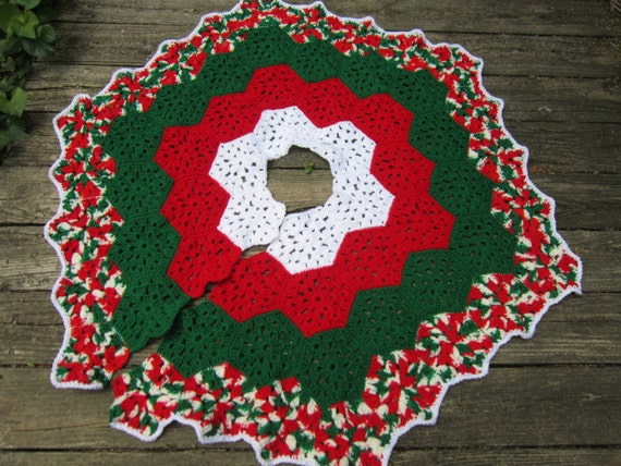 Crochet Xmas Tree Skirt : Christmas Tree Skirt Crocheted Granny Hexagons in Red Green and White ...