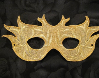 Flaming Queen Lace Mask in Gold