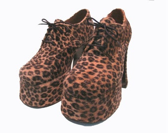 Leopard Platform Shoes from England Vintage Glam Lace Up Stacks Womans US size 6