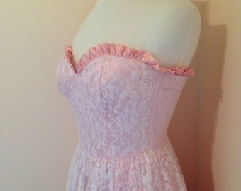 Pretty In Pink Lace 70s Vintage GUNNE SAX Grad Prom Bridesmaid Spring Summer Dress