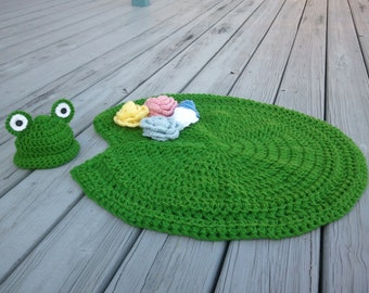 Lily Pad Photo Prop / Lily Pad mini blanket / Lily pad with detachable flowers and matching Hat photo prop