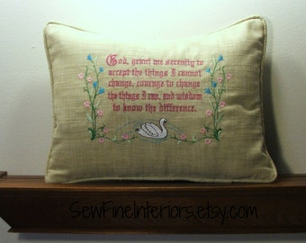 Pillow with the prayer of Serenity embroidery