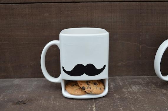 J'ai moustache vous à dos loin de mes biscuits - biscuits en céramique et lait Dunk Mug