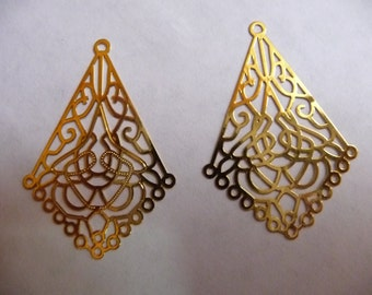 Focal, Lazer Lace, Gold Finished, Brass, 31x22mm, Filigree Kite, 14 loops, Pkg Of 4
