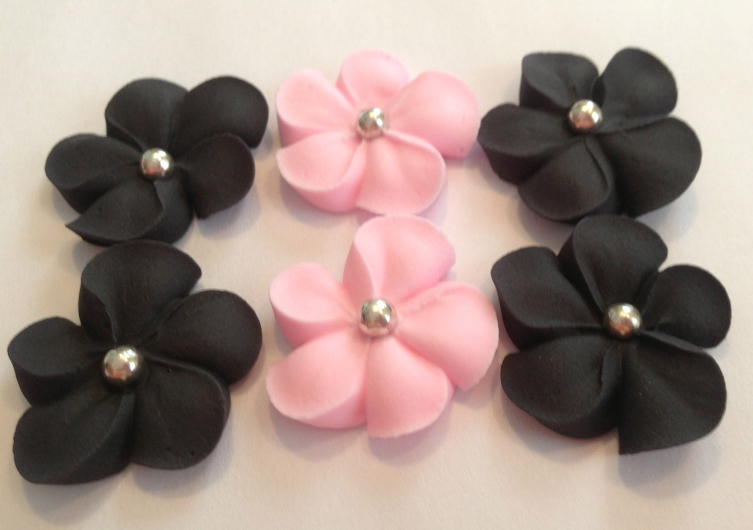 How Long Is Cake Mate Decorating Icing Good For : LOT of 100 Royal Icing flowers for Cake Decorating Sugar