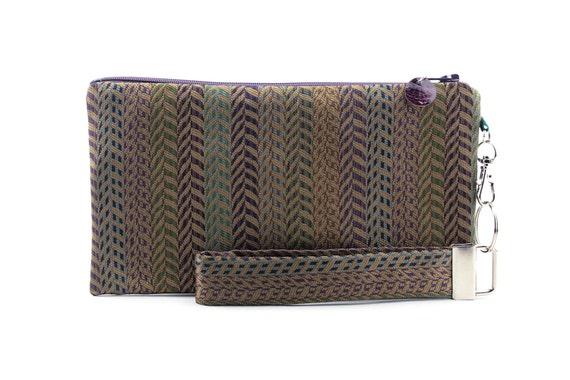 Dark autumn handbag is a colorful and eathy boho clutch