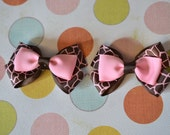 Double Layer Pink & Brown Giraffe Print No Slip Set Of Bows