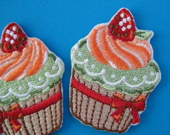 SALE~ Set of 2 pcs iron-on Embroidered Patch Cupcake 2 inch