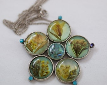 Vintage Pewter Like Silver Tone Metal Floral in Resin Mosaic Necklace  .....3161