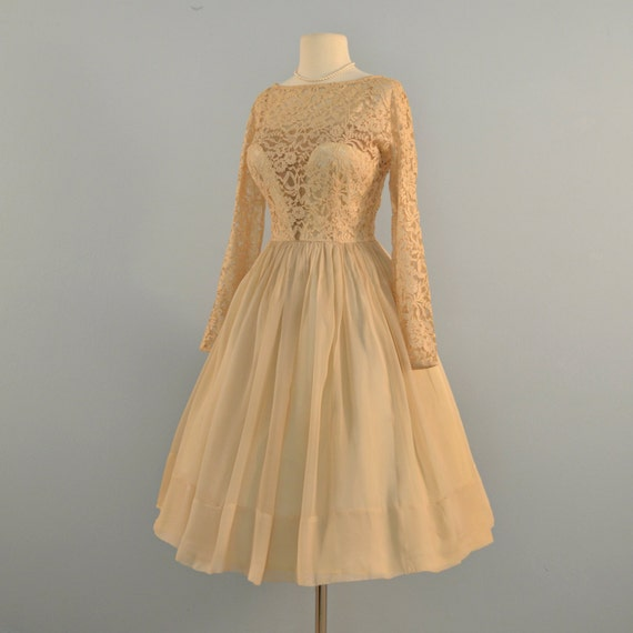 Vintage 1950s wedding dresssimply gorgeous saks fifth for Saks wedding dresses