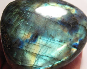 Large Labradorite WHOLE  stone ........      63 x 61  x 25 mm     ...      a816
