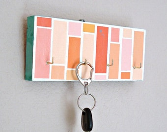 Key hanger in an orange pink mosaic pattern