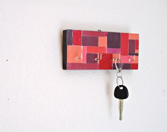 Key Hanger: Red Mosaic Pattern