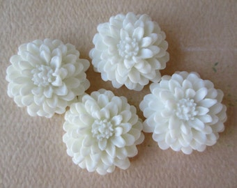 4PCS White Flower Cabochons, White Flower Cabs, White Mum Cabs, 20mm Matte Cabs, Jewelry Supplies, Zardenia