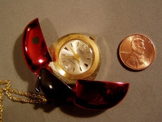 VINTAGE LADYBUG GOLD WATCH JUFREX SWISS 17 Jewel Lady B ...