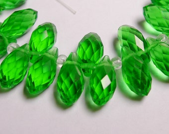 Faceted teardrop crystal briolette beads - 24 pcs - 12mm by 6mm - top sideways drill - Green