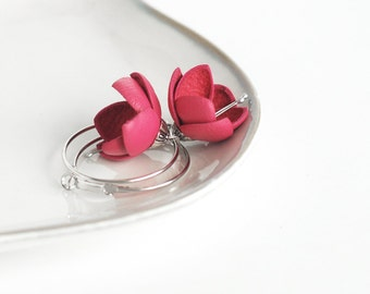 Leather earrings in pink