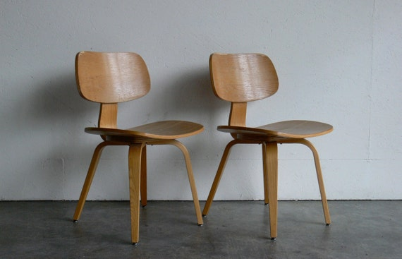 Vintage mid century modern thonet plywood chair set of 2 by comod