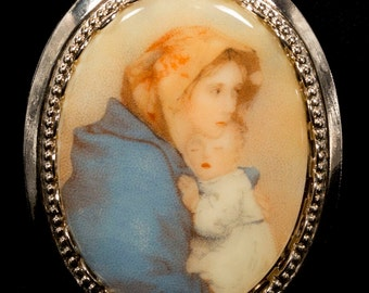 Oval Porcelain Cameo Style Picture Brooch Mother and Child Gold Tone Bezel Vintage