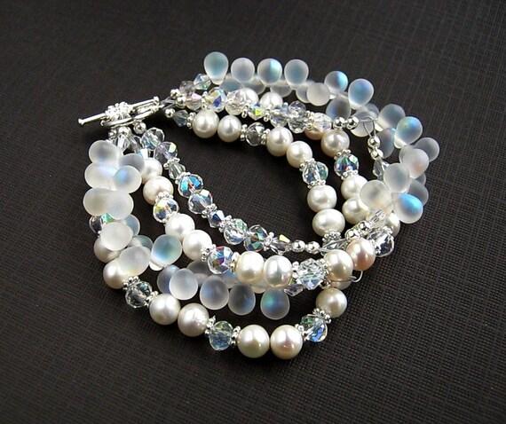 Teardrop White Pearl Bracelet White Pearl Wedding Bracelet Bridal Pearl Bracelet