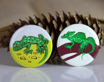 Set of two Vintage USSR pins, green lizards
