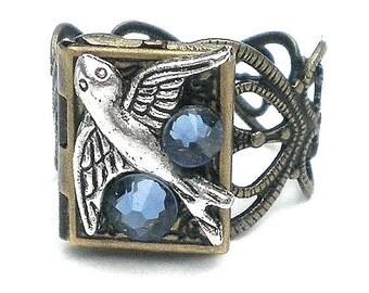 Sparrow Locket Ring