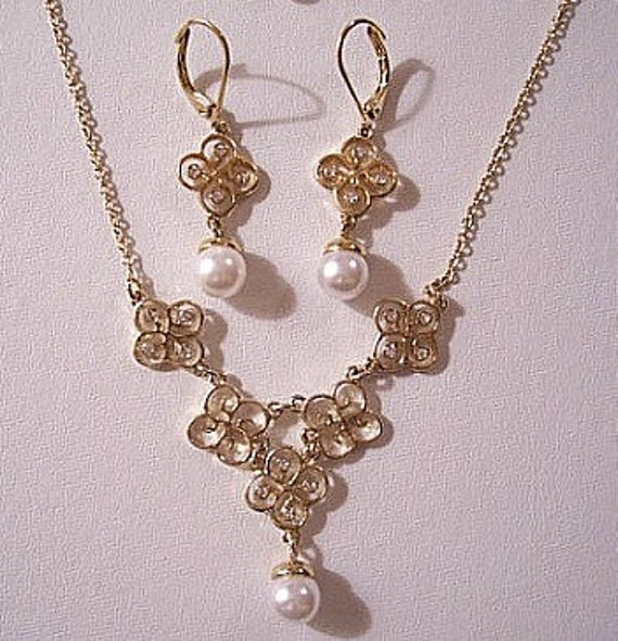 Pearl Filigree Pierced Earrings Necklace Gold Tone Vintage Avon Crystal Pendant Link Chain