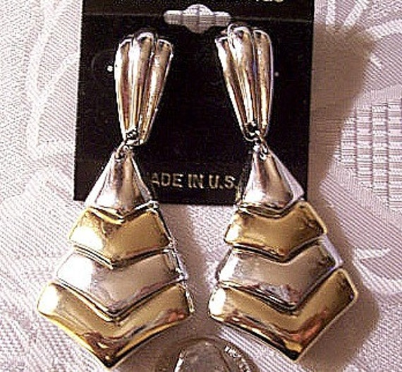 Chevron Triangle Pierced Earrings Silver Gold Tone Vintage Smooth Layered
