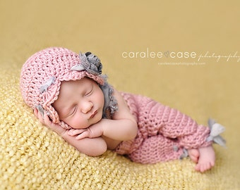 Download PDF crochet pattern s001 - Newborn bonnet and pants
