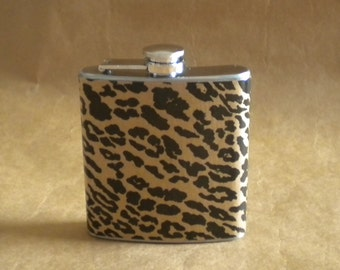 Black and Kraft Leopard Print 6 ounce Stainless Steel Girly Gift Flask KR2D 5808