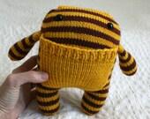 Pocket Monster in Gryffindor colors