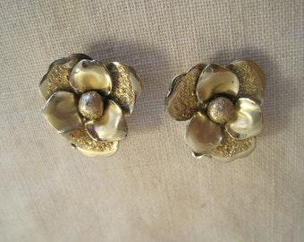 Vintage Coro Gold Tone Clip Earrings