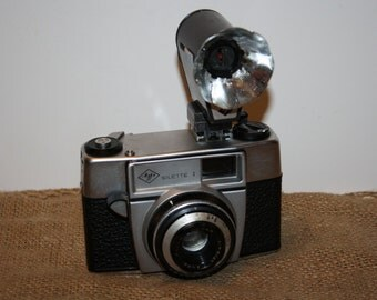 Agfa Silette I 35mm camera with Tully flash