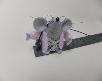 Glam Gran mouse