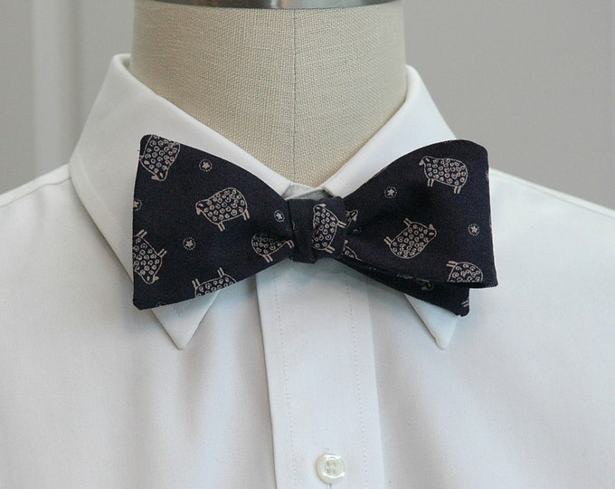 Men's Bow Tie in dark navy with ivory sheep, animal lover gift, sheep bow tie, sheep lover gift, elegant sheep tie, wedding bow tie,