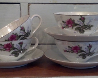 REDUCED/WAS 25/Vintage Shabby Tea Cups and Saucers
