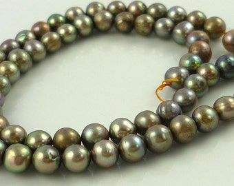 Pretty silvery green rounded potato pearls 5-6mm 1/2 strand