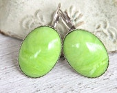 Apple Green Vintage Oval Italian Marbled Scalloped Silver Plated Lever Back Drop Dangle Earrings - Beach, Wedding,Bridal