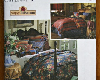 Simplicity 8347 Home Decorating Duvet Cover, Bed Skirt, Pillow Shams, Throw Pillows, Tablecloth and Tabletopper Sewing Pattern