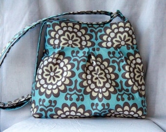 Pleated Tote Bag with Adjustable Strap in Blue and Gray Wallflower